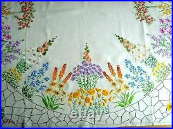 Exquisite Vintage Hand Embroidered Fairistytch Tabelcoth Garden Flowes 51