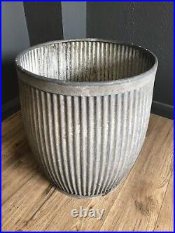 Fantastic Vintage Original Galvanised Dolly Tub Planter
