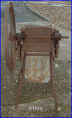 Vintage Old Antique Oil Cake Mill/Grinder Barn Find CM22 Reuben Hunt Mangal/Beet