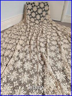 XL Antique/Vintage Cotton Crochet Cream Lace Bedspread/Tablecloth 250cm x 240cm